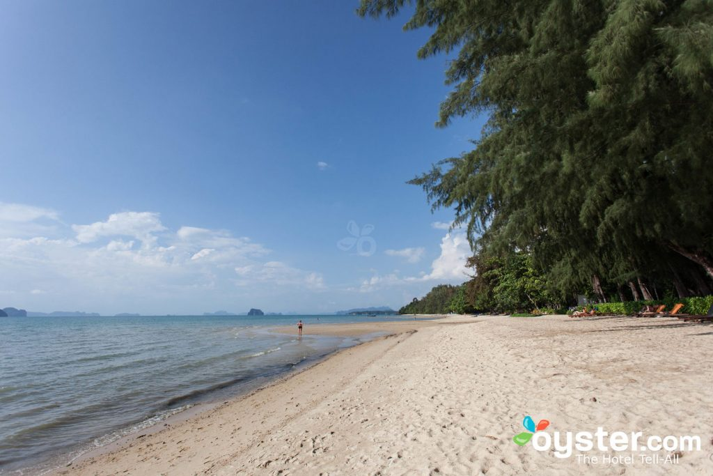 Beach bei Tup Kaek Sunset Beach Resort / Oyster