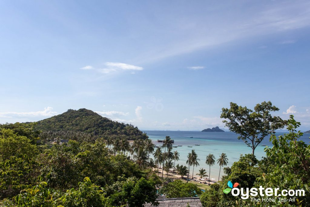 Phi Phi Island Village Beach Resort / Oyster