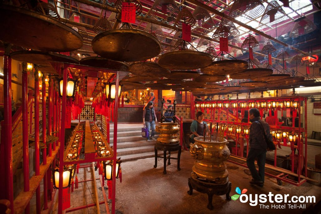 The stunning Man Mo Temple in Sheung Wan/Oyster