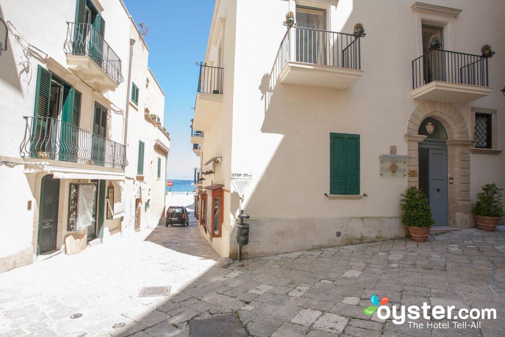 Street at Hotel Palazzo Papaleo in Otranto/Oyster