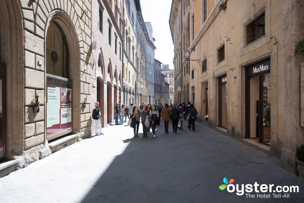 Rue du Grand Hotel Continental