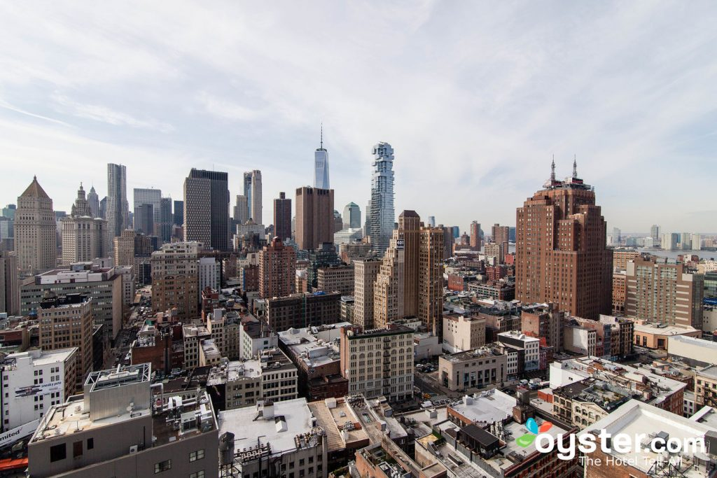 New York may look like a beast to explore, but a number of factors make it fairly simple.