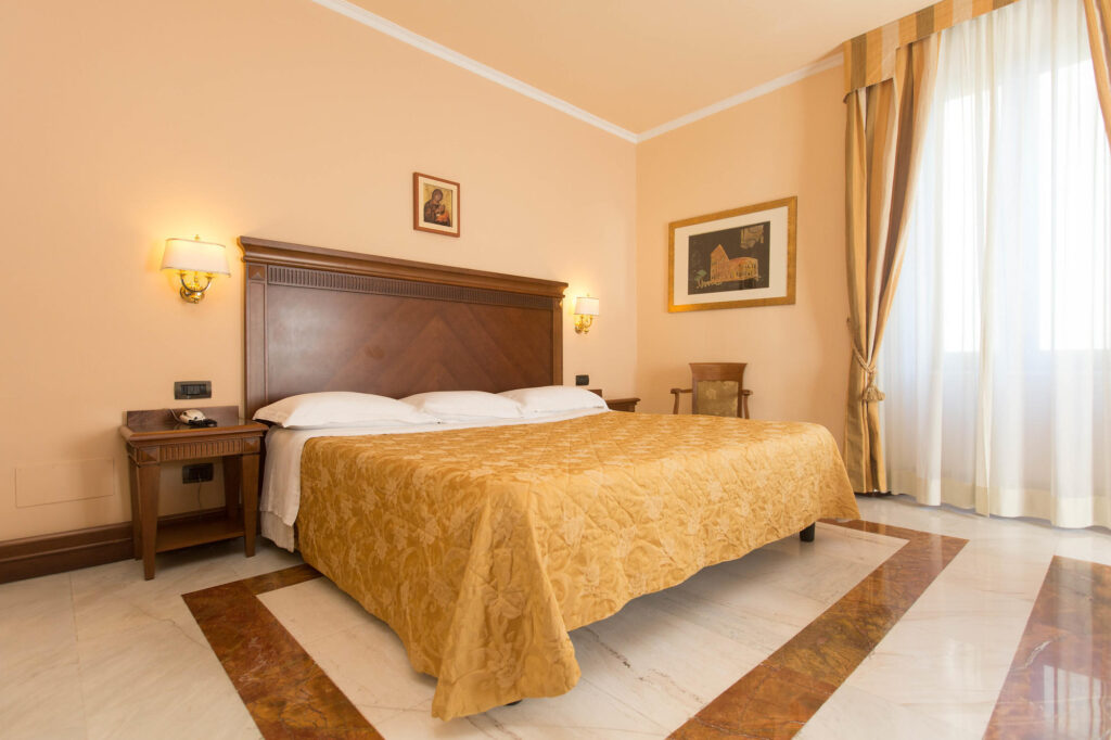 The Deluxe Room at the Hotel Alimandi Vaticano