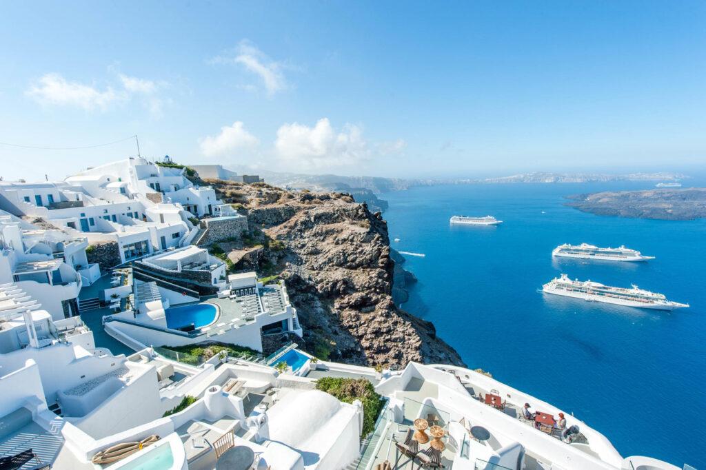 Vista di Santorini agli Aeolos Studios & Suites