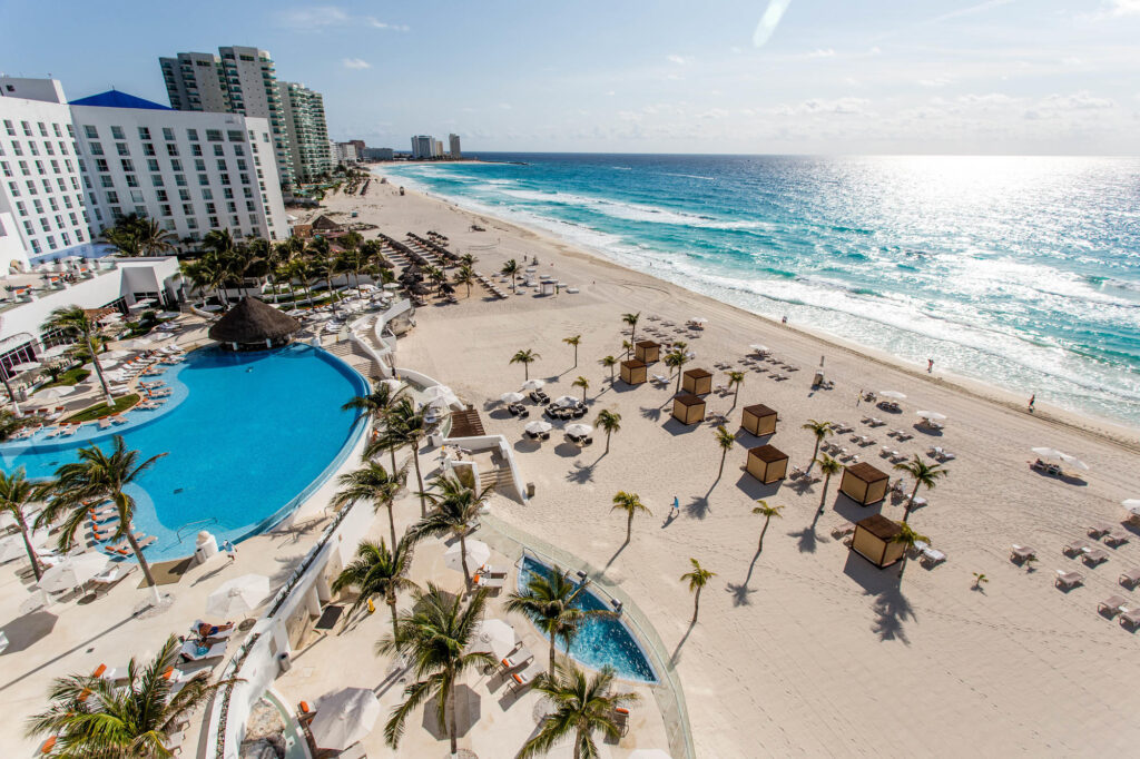 Pool and Beach at Le Blanc Spa Resort Cancun