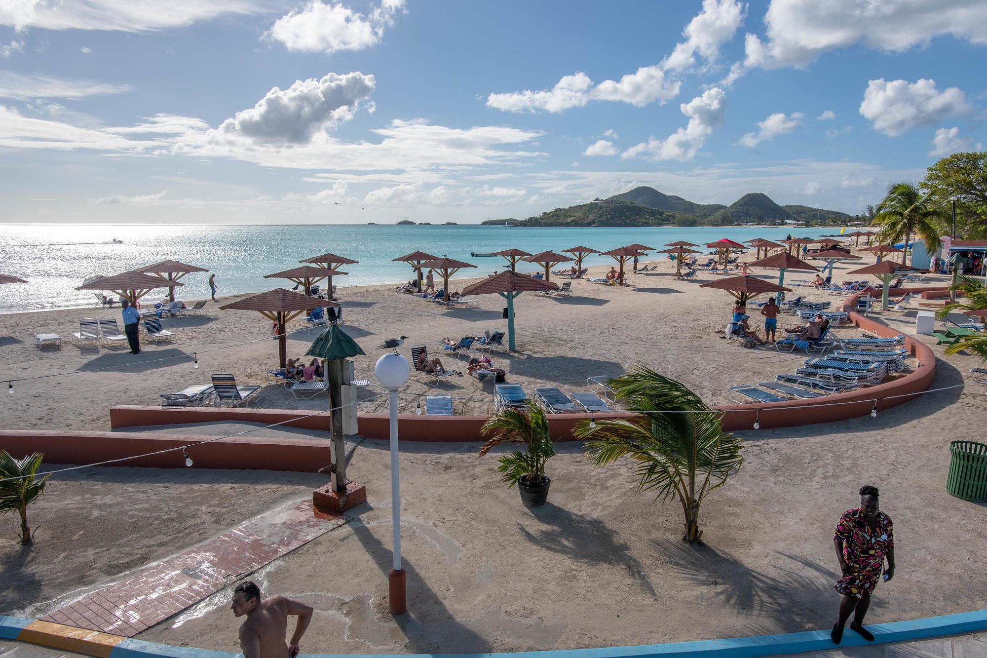 Starfish Jolly Beach Resort/Oyster