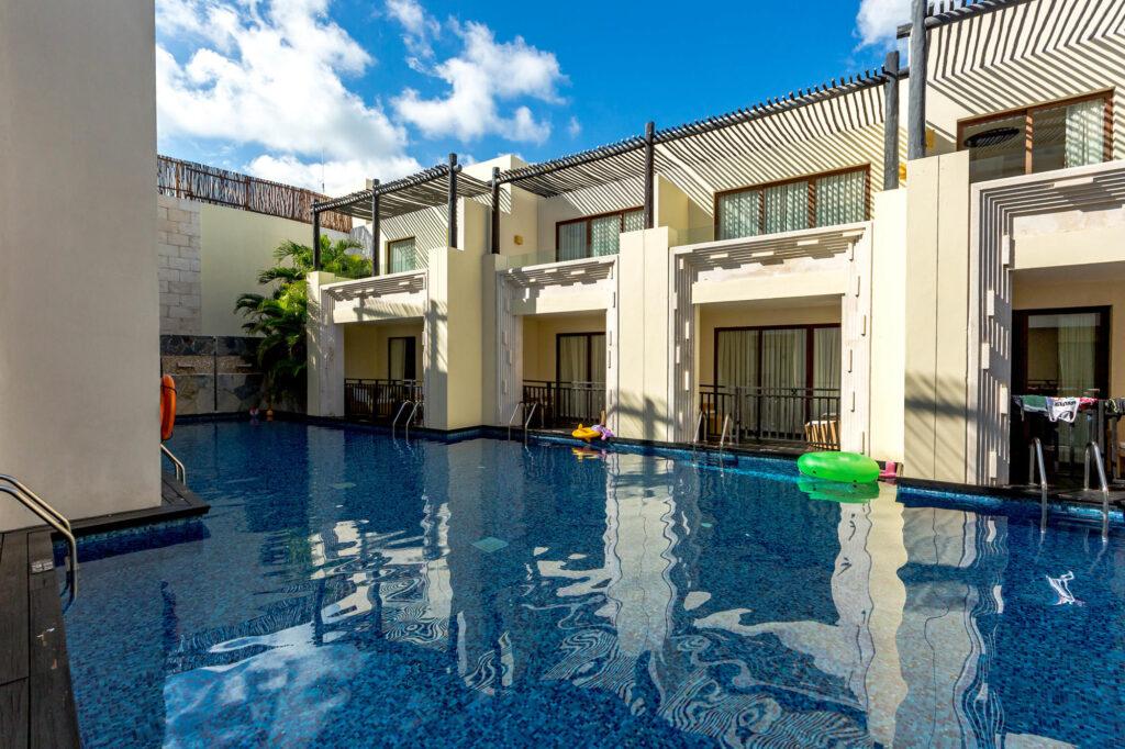 The Junior Swim-Up Suite at Azul Beach Resort Riviera Maya