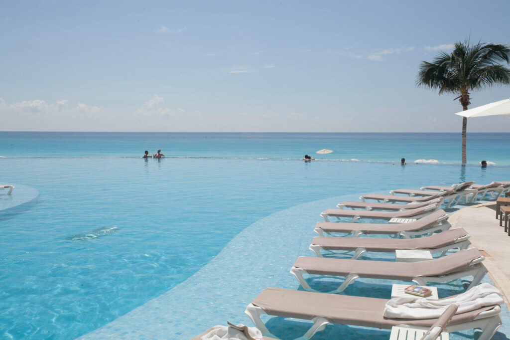 Pool at Le Blanc Spa Resort, Cancun