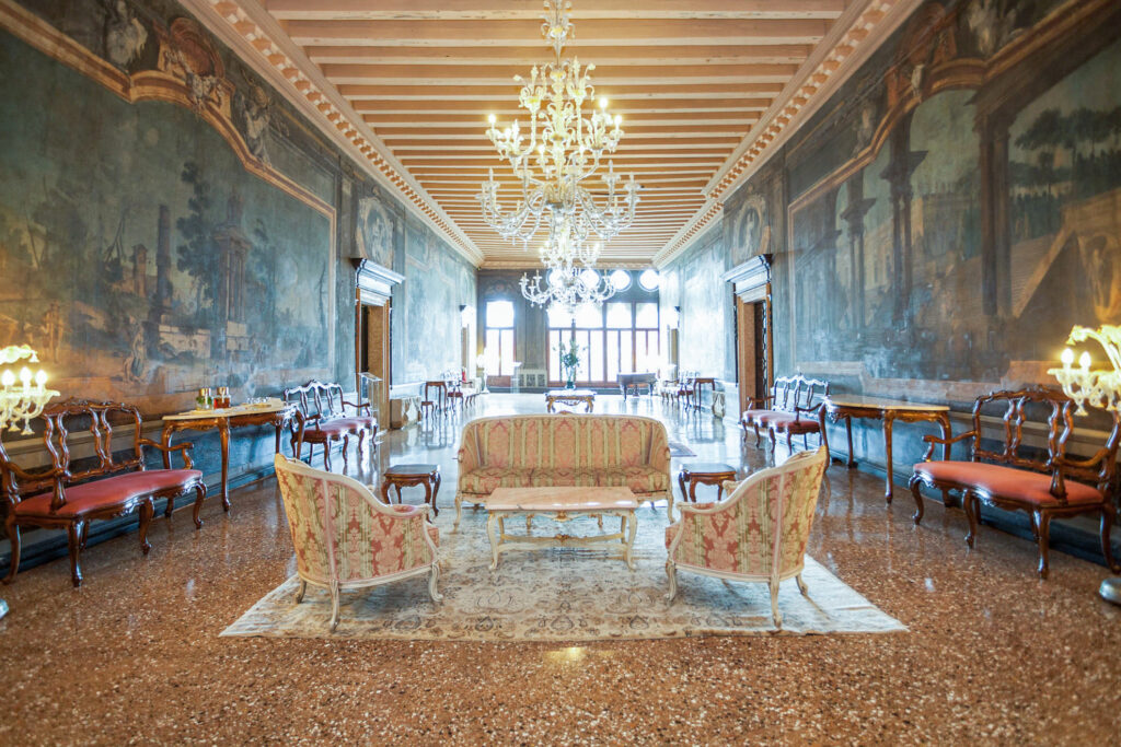 1st floor Lobby Il Portego at the Ca'Sagredo Hotel
