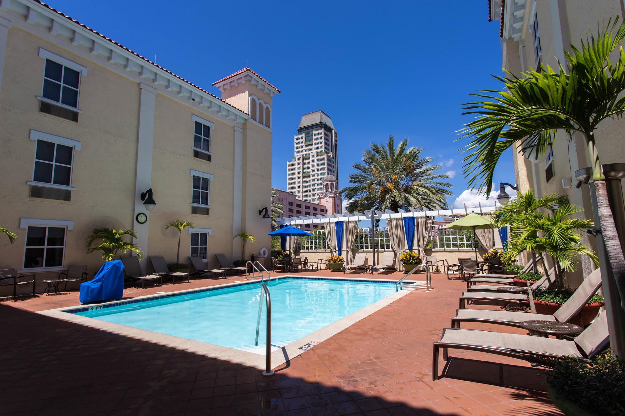 Pool at Hampton Inn and Suites St. Petersburg Downtown