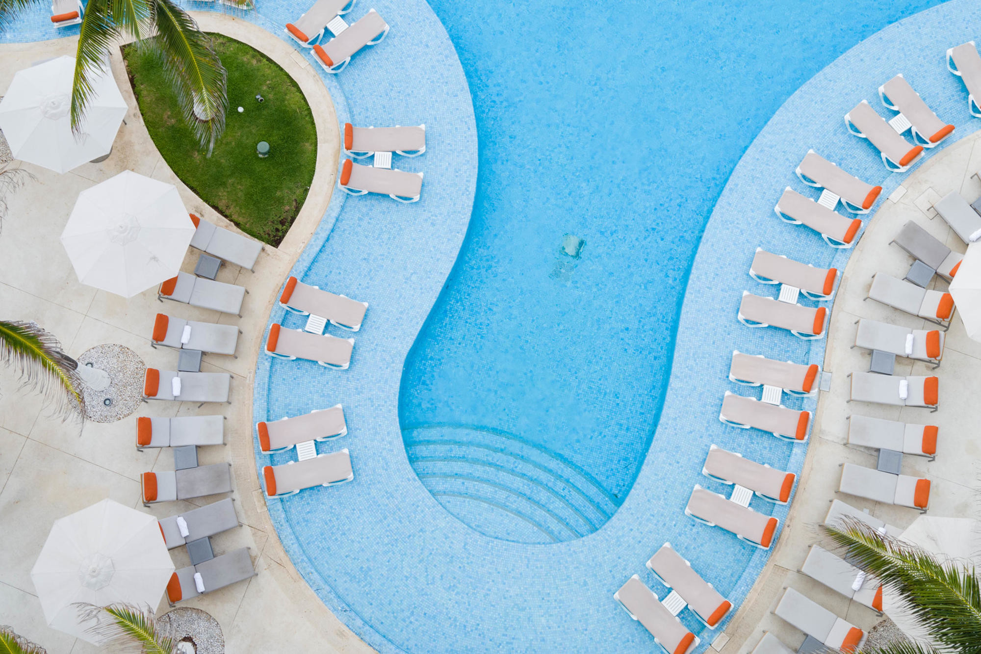 Pool at Le Blanc Spa Resort Cancun