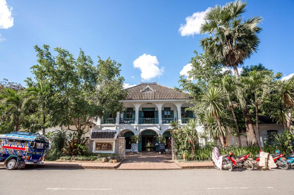 Entrance at the Villa Santi Hotel