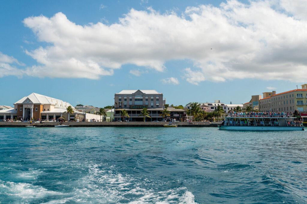 Ferry to Paradise Island