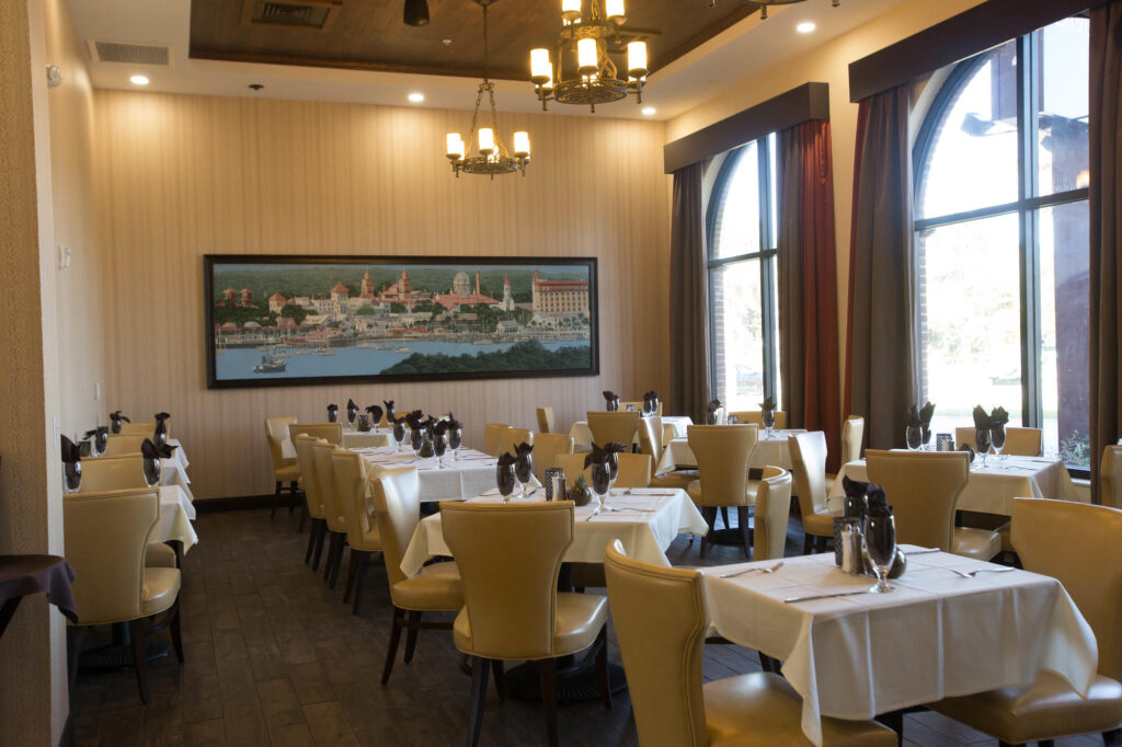 Oak Room Restaurant at the DoubleTree by Hilton Hotel St. Augustine Historic District