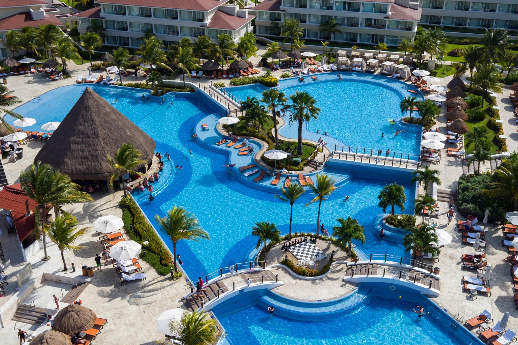 Main pool and swim-up bar at Moon Palace Cancun