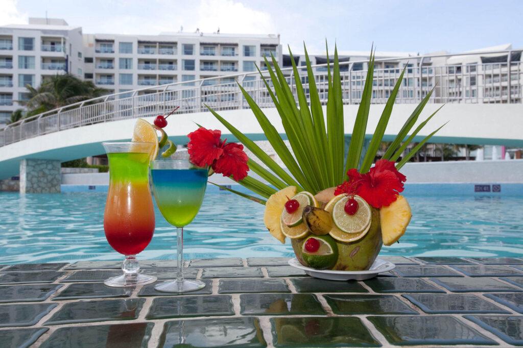 Pool Bar at the Westin Lagunamar Ocean Resort