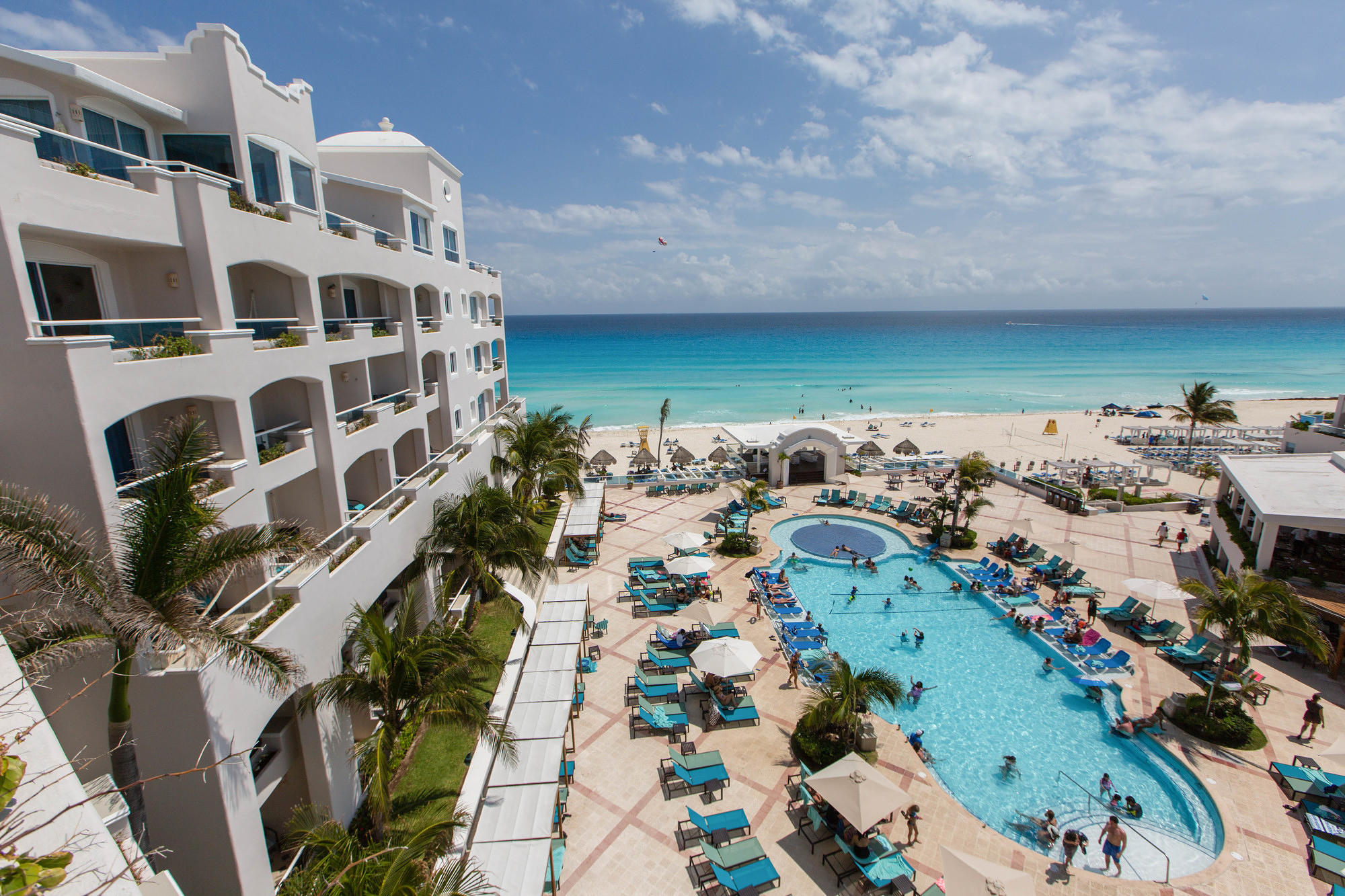 Pool and beach view from Junior Suite Ocean View at Panama Jack Resorts Cancun