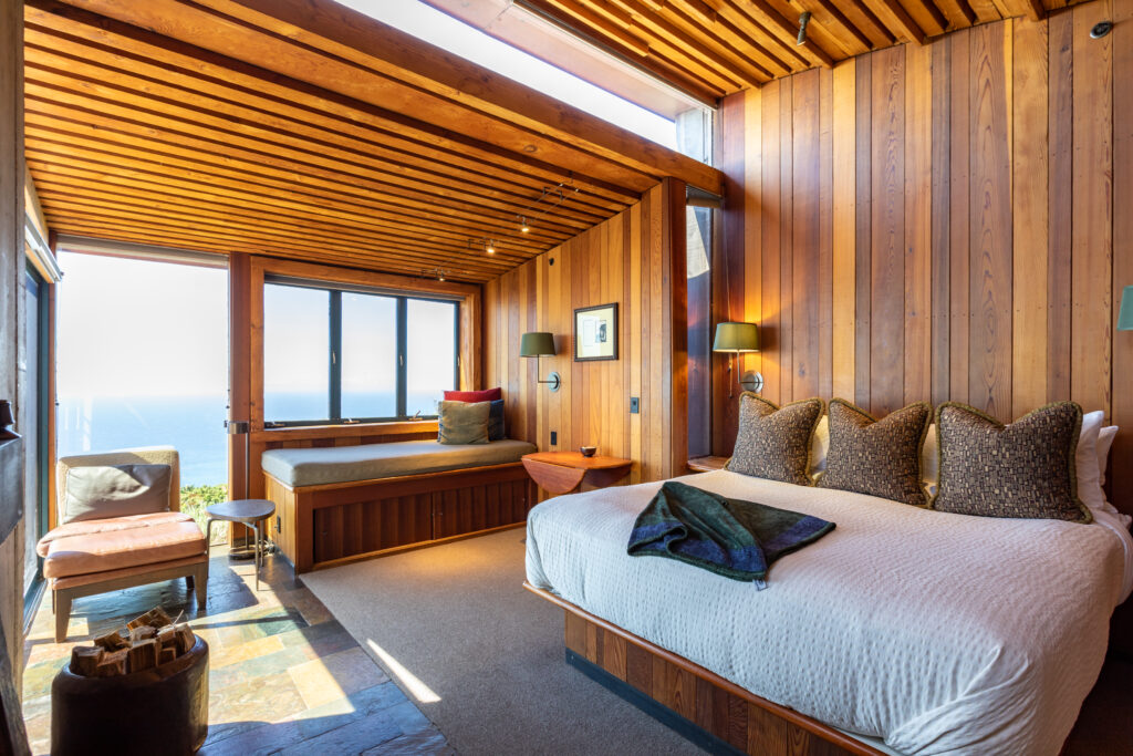 Envy-inducing luxury beds? The Post Ranch Inn in Big Sur, California, knows what's up/Oyster