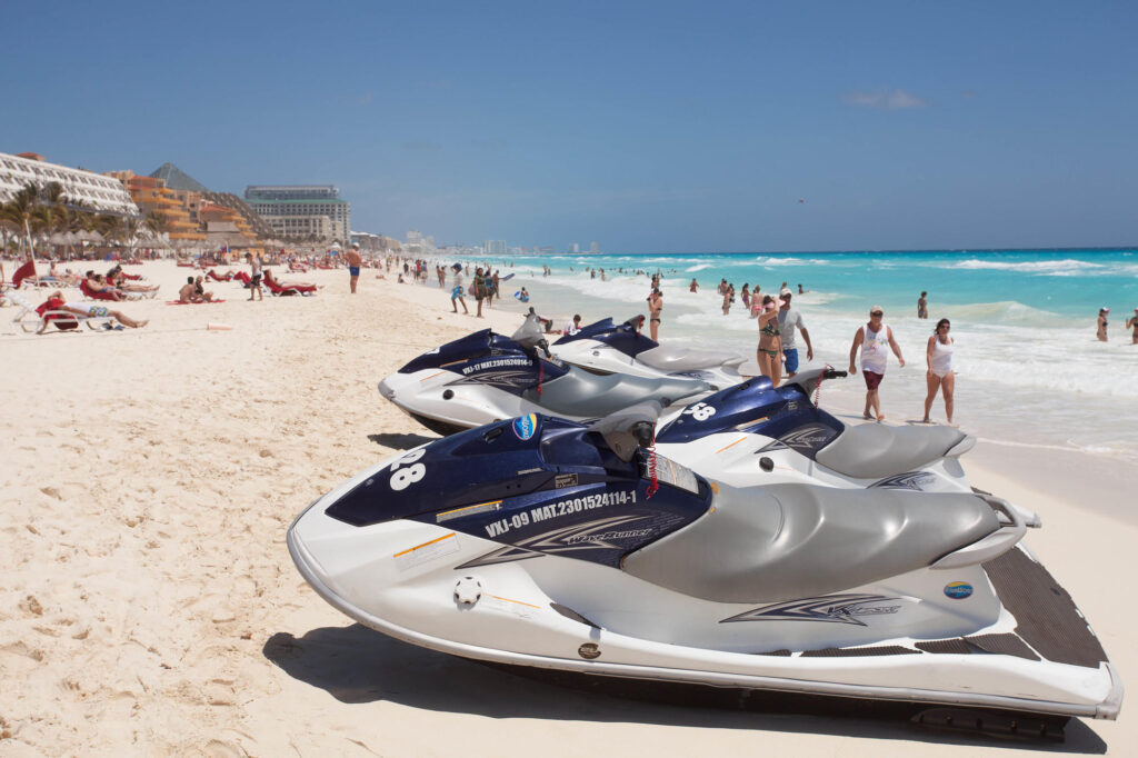 Watersports at the Grand Oasis Cancun
