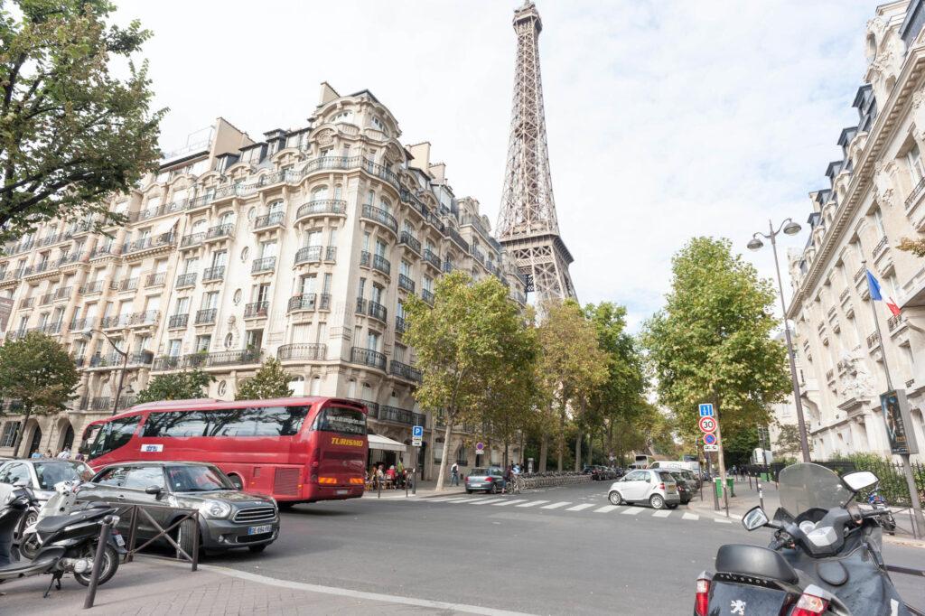 Streetview in front of Pullman Paris Tour Eiffel