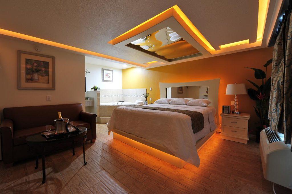 Romantic Inn and Suites, Dallas, Texas