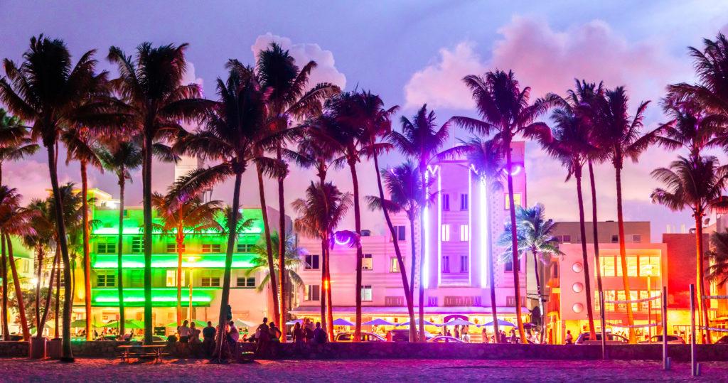 Miami Beach Ocean Drive at nigth